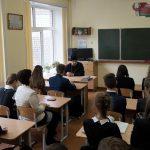 Как выбрать профессию по душе, обсудили вместе со священником старшеклассники Гимназии города Калинковичи