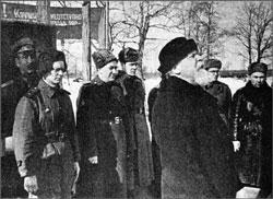 """""""Наперад, воіны!"""" Выступленне мітрапаліта Мікалая (Ярушэвіча) перад салдатамі і афіцэрамі Чырвонай арміі. 1944 г."""