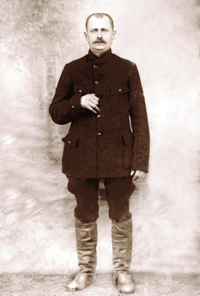 Дзед Анатоля Статкевіча-Чабаганава – Міхаіл Іванавіч Сацкевіч-Статкевіч. 1920 г.