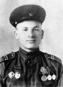 Гвардыі малодшы сяржант Іван Паўлавіч Янучок. Полацк. 1946 г.