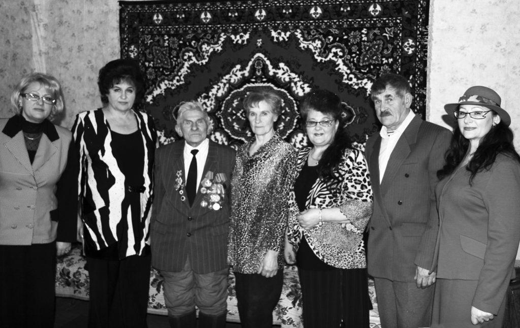 Іван Паўлавіч Янучок падчас сустрэчы з дзецьмі. 2009 г.