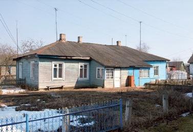 Прытчавы дом, пабудаваны іерэем Канстанцінам Жданавым у Шаркаўшчыне. 2011 г.