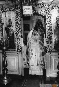 Айцец Лявонцій Нілавіч Кульчыцкі ў час набажэнства ў Свята-Міхайлаўскай царкве.