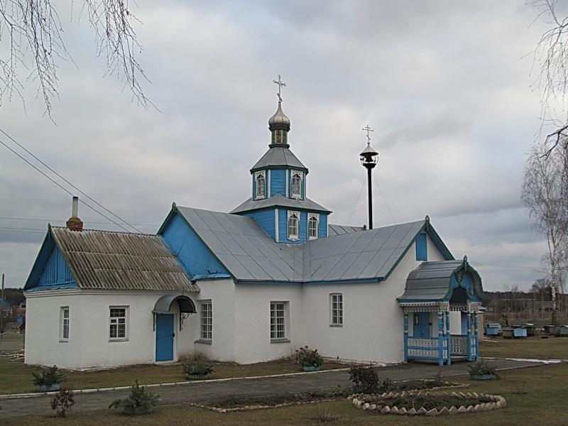 Свята-Траецкая царква (адбудаваная) у вёсцы Таль Любанскага раёна.