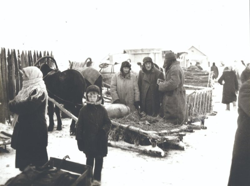 На рынку ў акупацыйным Мінску. 1941 – 1942 гг.