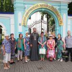 Группа паломников с нарушениями слуха посетила Свято-Покровский женский монастырь города Толочина